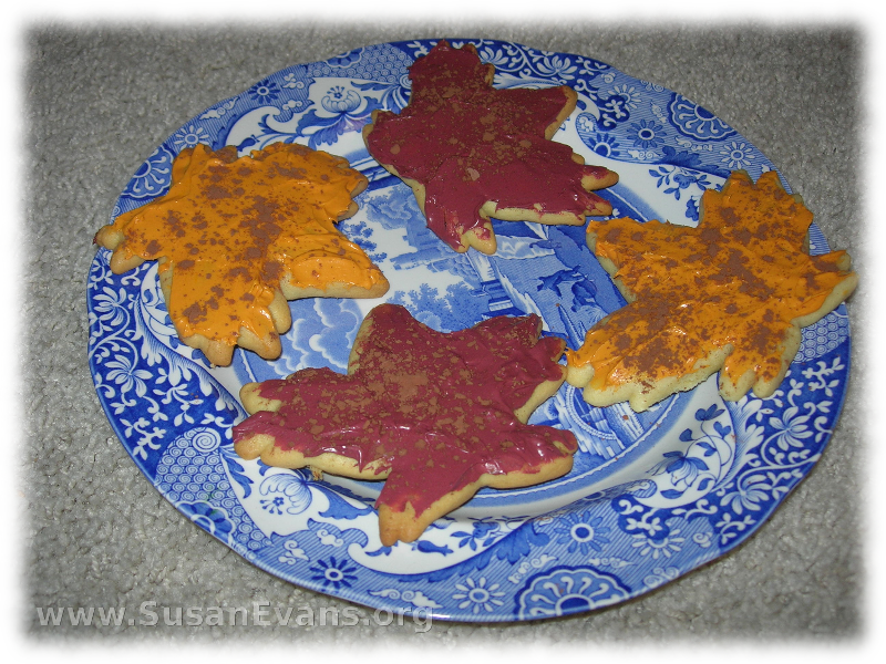 maple-leaf-cookies