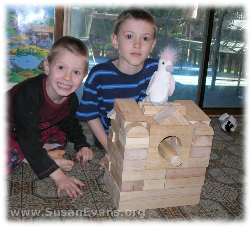 birdhouse-with-blocks