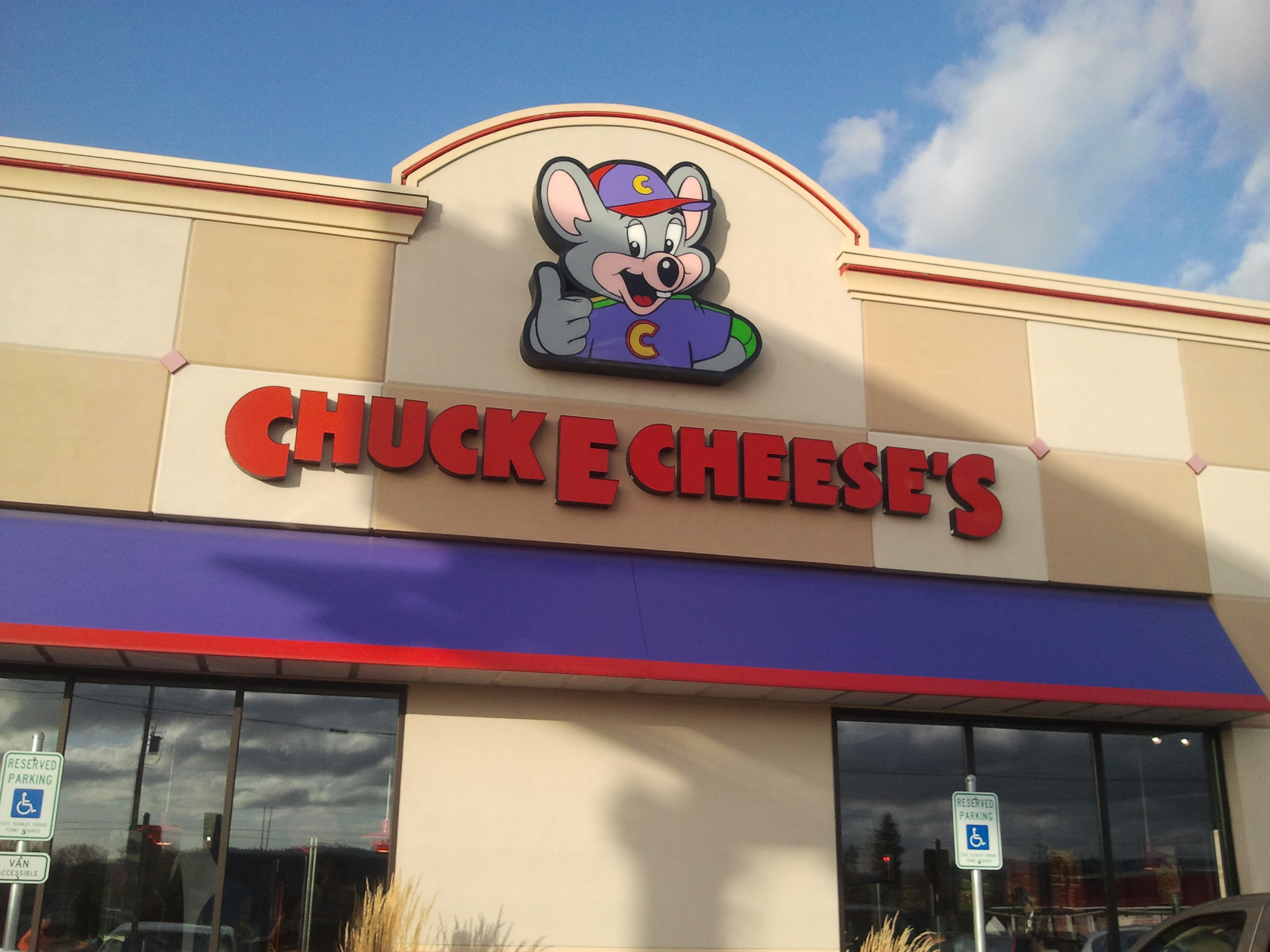 Career opportunities at Chuck E. Cheese's near you. View current job opportunities or search for positions that best match your talents.
