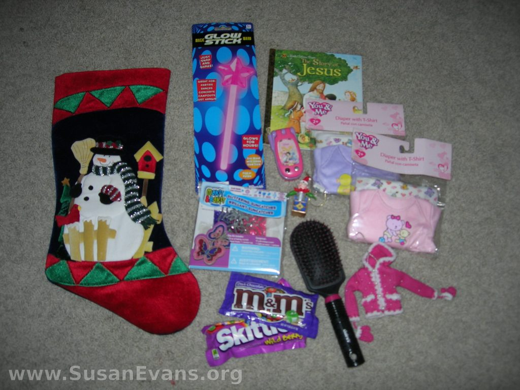 what-do-you-put-in-a-girl-stocking