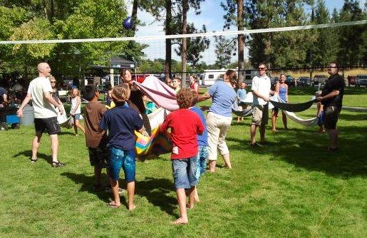 volleyball-water-balloon-toss-2