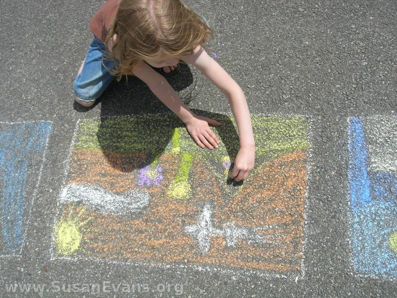 sidewalk-chalk-children
