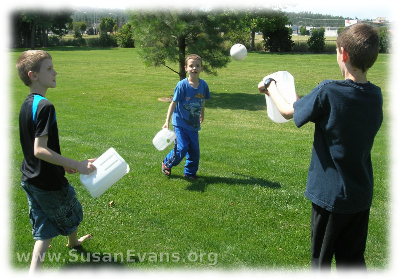 water-balloon-toss-2