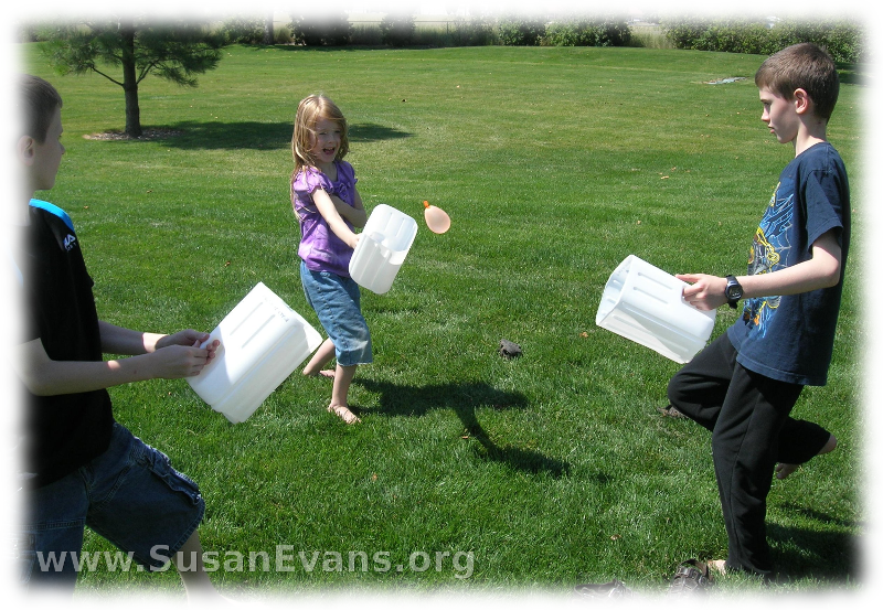 water-balloon-toss-3