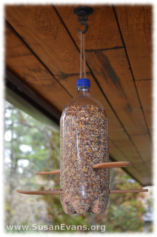 how-to-make-a-pop-bottle-bird-feeder