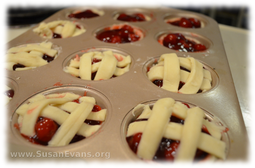 miniature-cherry-pies-6