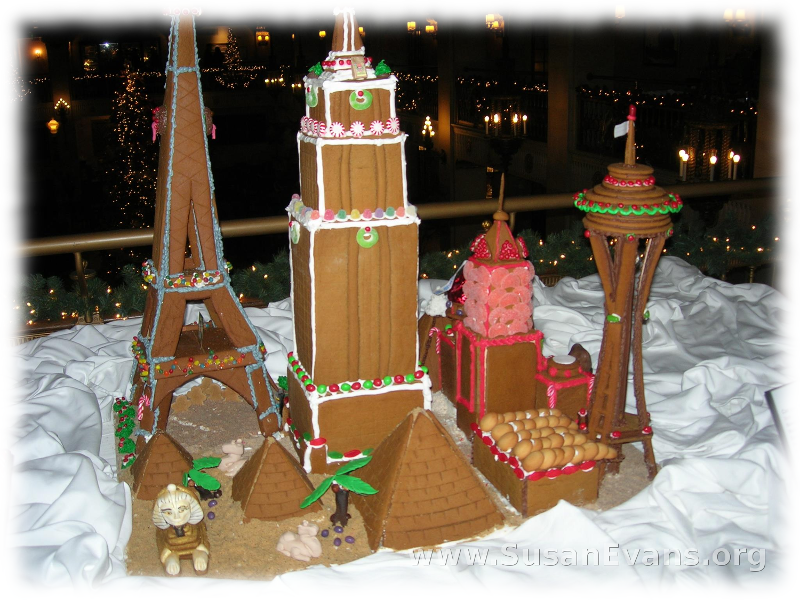 deluxe-gingerbread-houses-2