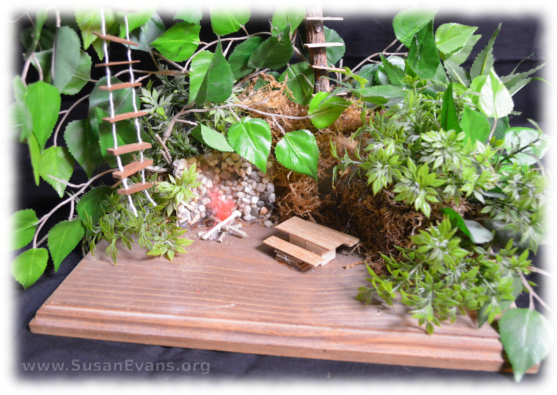 miniature-treehouse-3