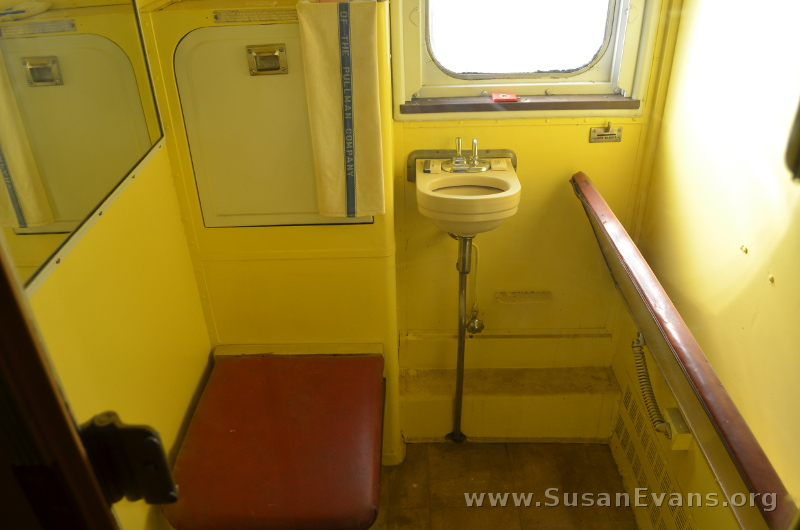 train-bathroom