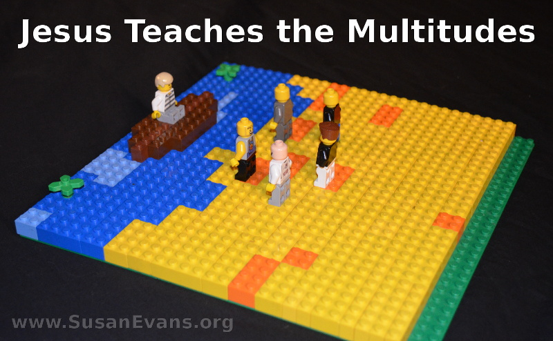 Jesus-teaches-the-multitudes
