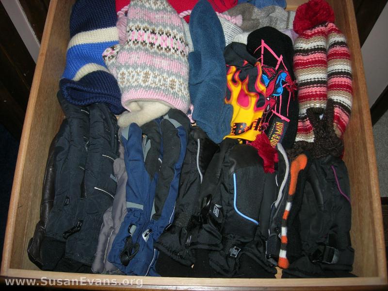 mitten-drawer