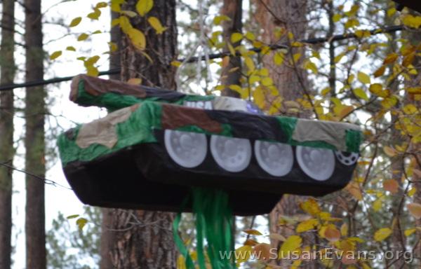 tank-pinata