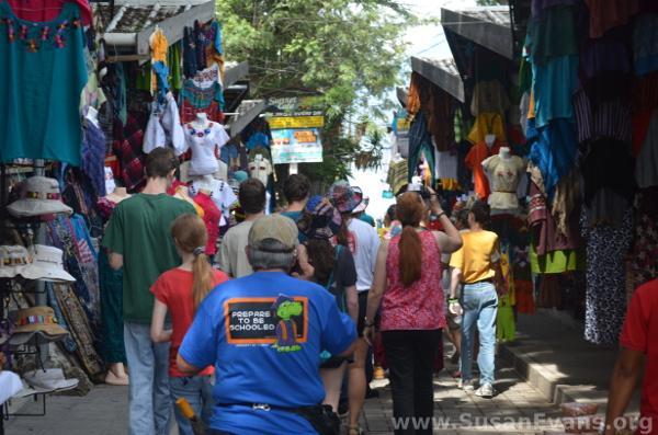 market-panajachel