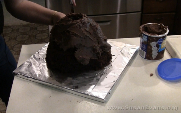 frosting-volcano-cake