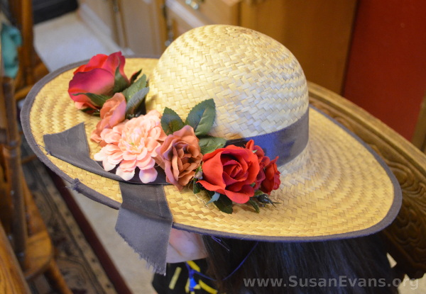 decorate-straw-hat-with-flowers
