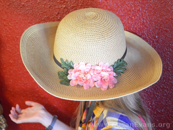 decorate-a-straw-hat