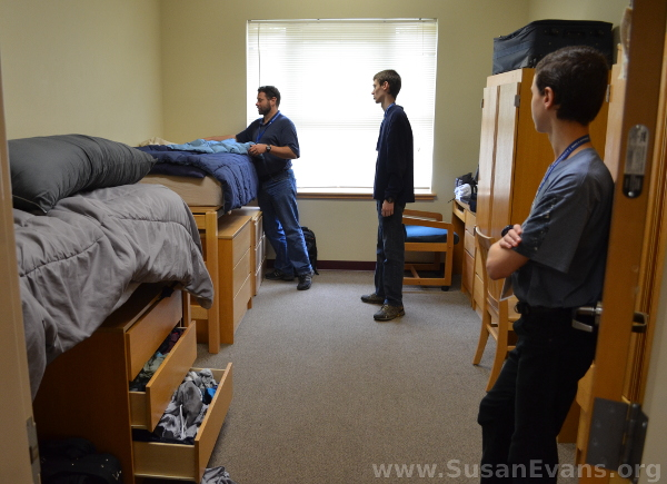 corban-university-dorm-room