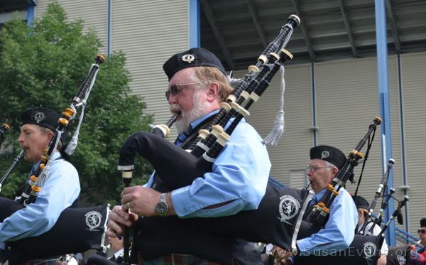 scottish-bagpipes