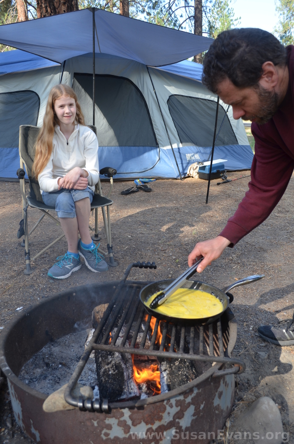 breakfast-at-camp