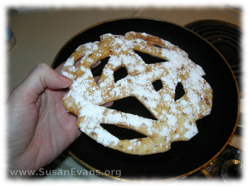 snowflake-funnel-cake